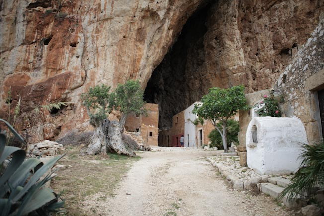 grotte sicily italy village old abandoned