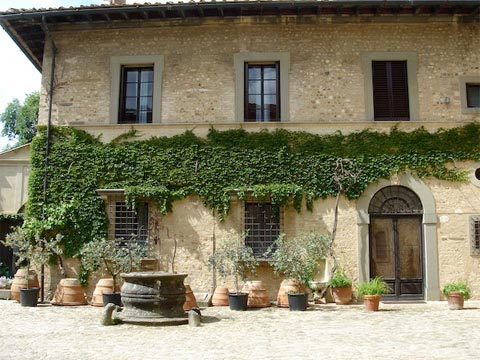 tuscan traditional house